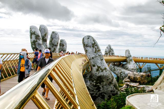 Mê mẫn có dự án cây cầu vàng trên đỉnh Bà Nà, không thua kém cầu treo Langkawi Sky (Malaysia) - Ảnh 8.