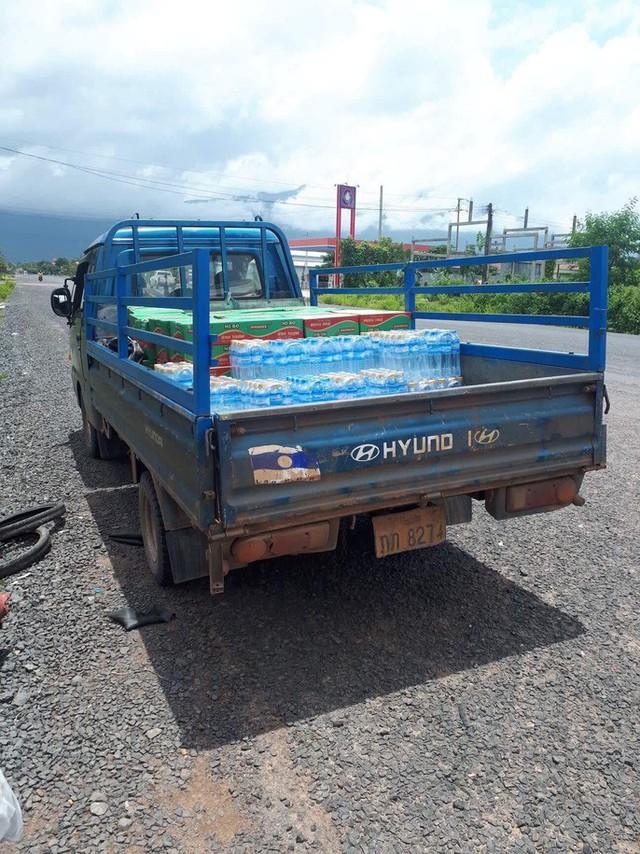 Tường thuật từ nơi vỡ đập thủy điện Lào: Chỉ còn một sốh dùng trực thăng, ca-nô để cứu người - Ảnh 7.