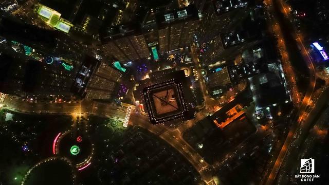 Tòa nhà cao nhất Việt Nam lung linh về đêm giữa Sài Gòn - Ảnh 14.