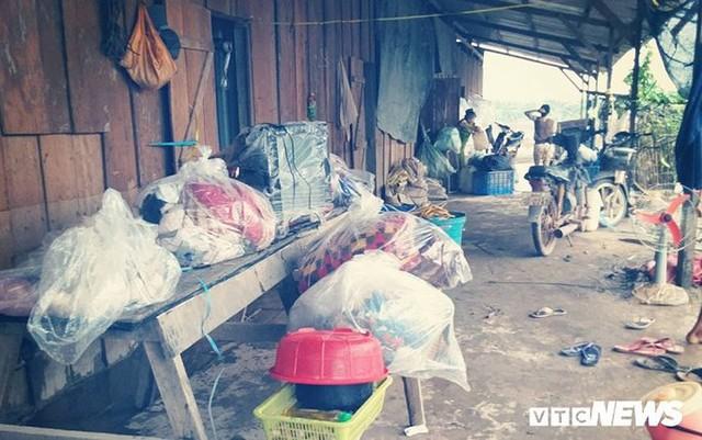 Ảnh: Người Việt thẫn thờ dọn dẹp đổ nát sau vụ vỡ đập thủy điện ở Lào - Ảnh 14.