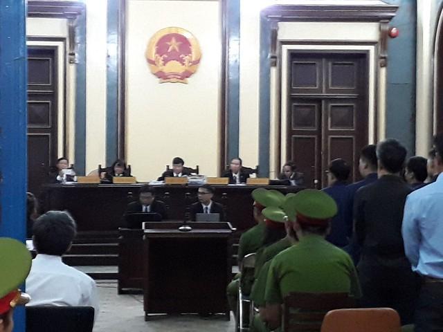 Viện kiểm sát yêu cầu Phạm Công Danh 20 năm tù, Trầm Bê 4 – 5 năm tù - Ảnh 1.