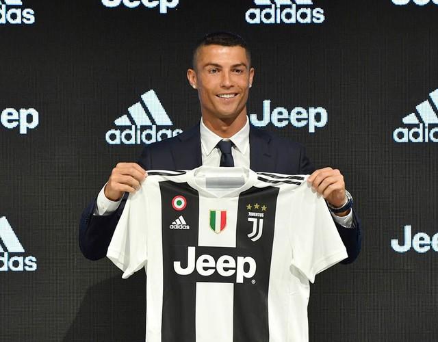 """""""Ronaldo là bản hợp đồng lãng phí tiền bạc của Juventus"""" - Ảnh 1."""