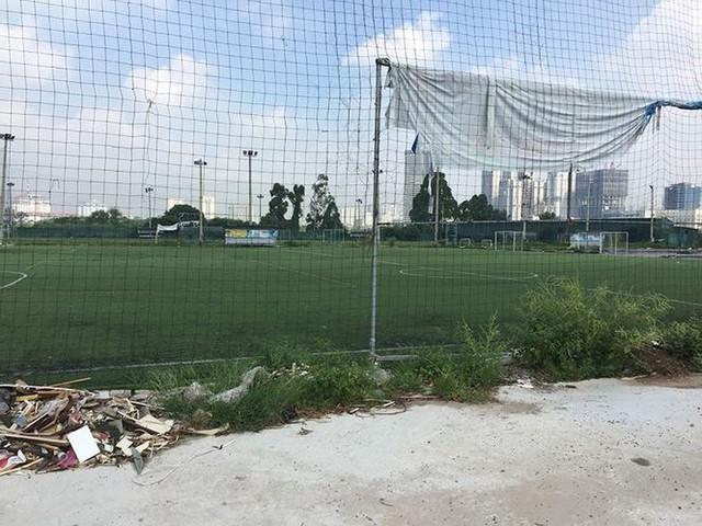 Các dự án công viên, hồ điều hòa Hà Nội ngổn ngang dưới nắng 40 độ - Ảnh 9.
