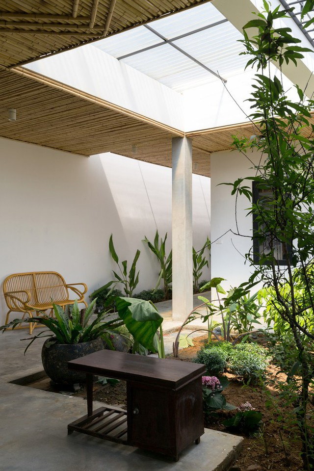 """Cận cảnh căn nhà cấp 4 """"đẹp hơn biệt thự"""" ở ngoại thành Hà Nội được báo Tây khen ngợi - Ảnh 22."""