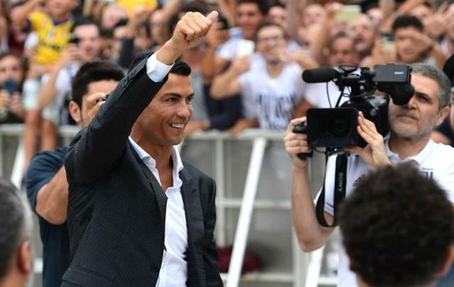Cựu binh Real khen Ronaldo nức nở, nhưng cuối cùng lại đánh giá Messi giỏi hơn - Ảnh 2.