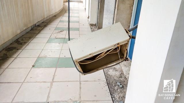 Cận cảnh chung cư tại TP.HCM vừa bị công an truy nã chủ đầu tư do CEO biến mất - Ảnh 20.
