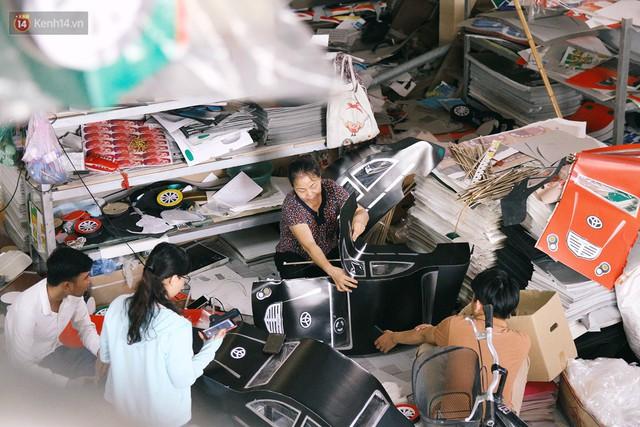 Làng vàng mã sản xuất xe hơi, túi hiệu cho người cõi âm tất bật trong tháng cô hồn: Xe mui trần đắt nhất 2 triệu đồng - Ảnh 15.
