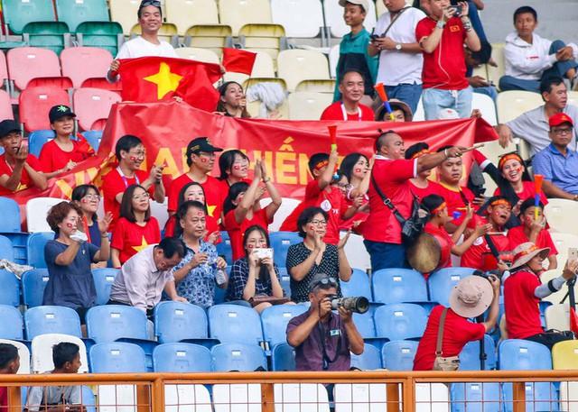 Lườm rau gắp thịt, HLV Park Hang-seo sẽ dùng U23 Nepal làm bàn đạp dọa Nhật Bản? - Ảnh 1.