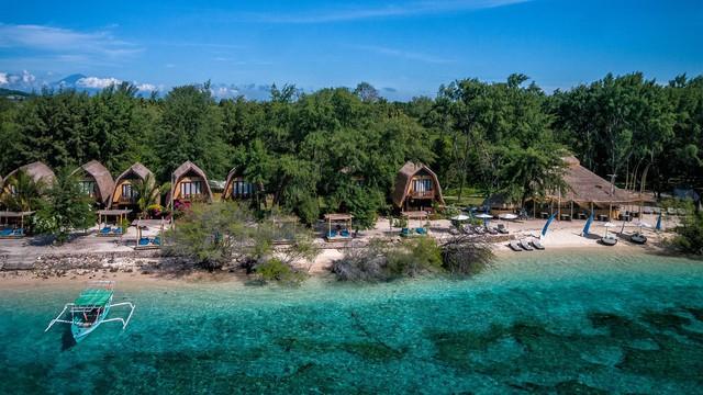 Chẳng cần đi đâu xa, 8 hòn đảo xinh đẹp ngay cạnh Việt Nam này bạn phải đi ít nhất một lần trong đời - Ảnh 1.