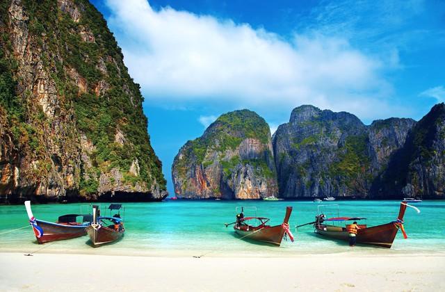 Chẳng cần đi đâu xa, 8 hòn đảo xinh đẹp ngay cạnh Việt Nam này bạn phải đi ít nhất một lần trong đời - Ảnh 5.