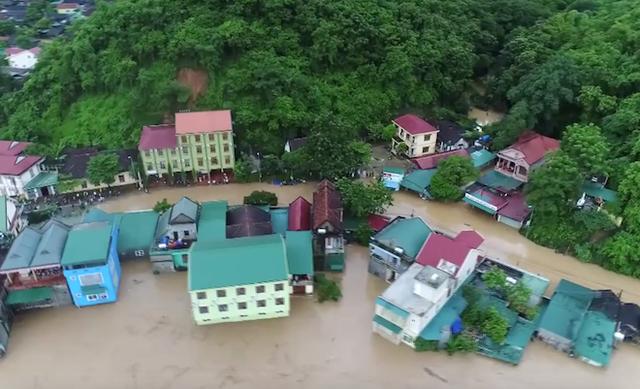 Toàn cảnh mưa lũ tại Nghệ An nhìn từ trên cao - Ảnh 3.