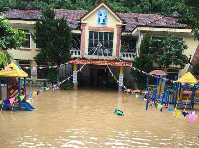 Toàn cảnh mưa lũ tại Nghệ An nhìn từ trên cao - Ảnh 5.