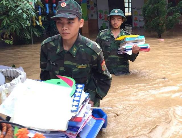 Toàn cảnh mưa lũ tại Nghệ An nhìn từ trên cao - Ảnh 8.