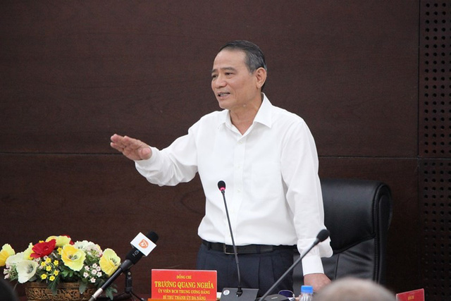 Bí thư Đà Nẵng đề nghị công khai sổ đỏ, giấy phép thi công - Ảnh 1.