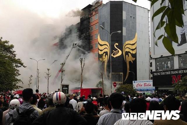Đình chỉ gần 900 quán karaoke vi phạm phòng cháy chữa cháy ở Hà Nội - Ảnh 1.