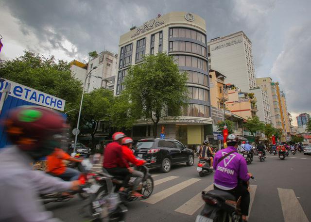 Những khách sạn, villa chạy giấy phép thi công ở quận 1 - Ảnh 3.