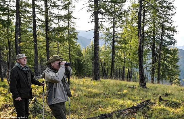 Tổng thống Putin lại gây sốt có chuyến nghỉ hè ở vùng hoang vu Siberia - Ảnh 3.