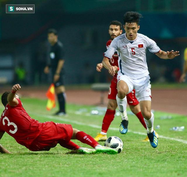 Một phút bốc đồng của Đoàn Văn Hậu và bài học cho U23 Việt Nam - Ảnh 2.