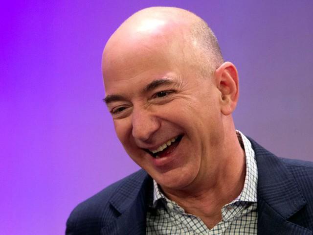 Không làm từ thiện nhiều như Bill Gates, người giàu nhất địa cầu Jeff Bezos sử dụng 150 tỷ USD tài sản của mình như thế nào? - Ảnh 3.