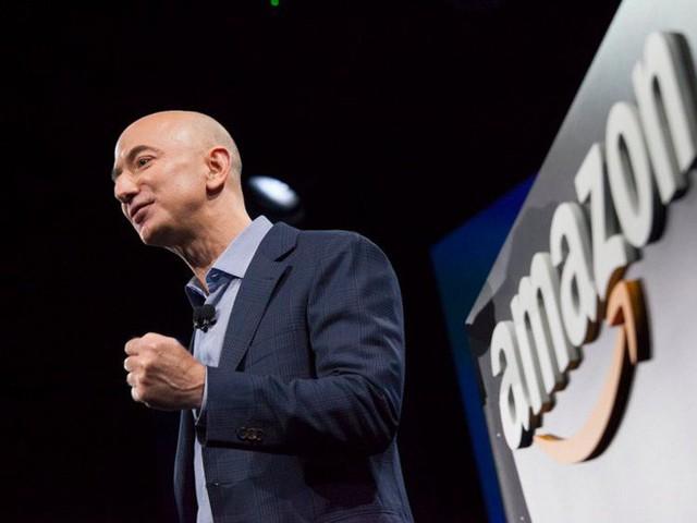 Không làm từ thiện nhiều như Bill Gates, người giàu nhất địa cầu Jeff Bezos sử dụng 150 tỷ USD tài sản của mình như thế nào? - Ảnh 16.