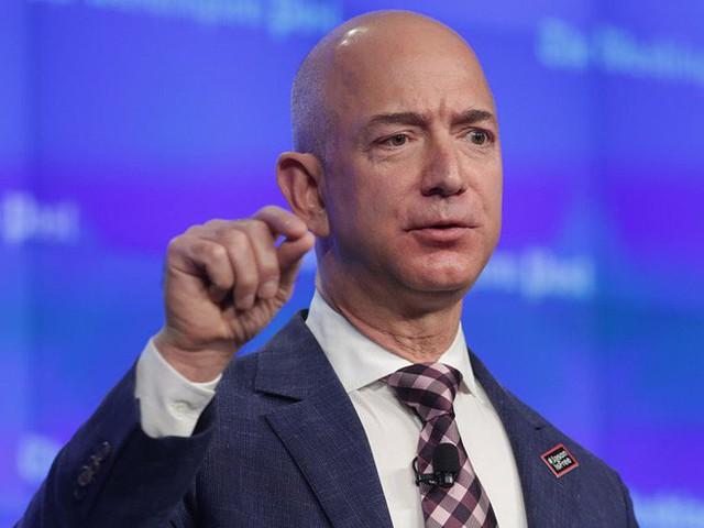 Không làm từ thiện nhiều như Bill Gates, người giàu nhất địa cầu Jeff Bezos sử dụng 150 tỷ USD tài sản của mình như thế nào? - Ảnh 19.