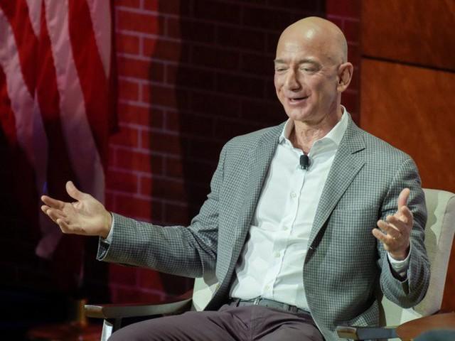 Không làm từ thiện nhiều như Bill Gates, người giàu nhất địa cầu Jeff Bezos sử dụng 150 tỷ USD tài sản của mình như thế nào? - Ảnh 9.