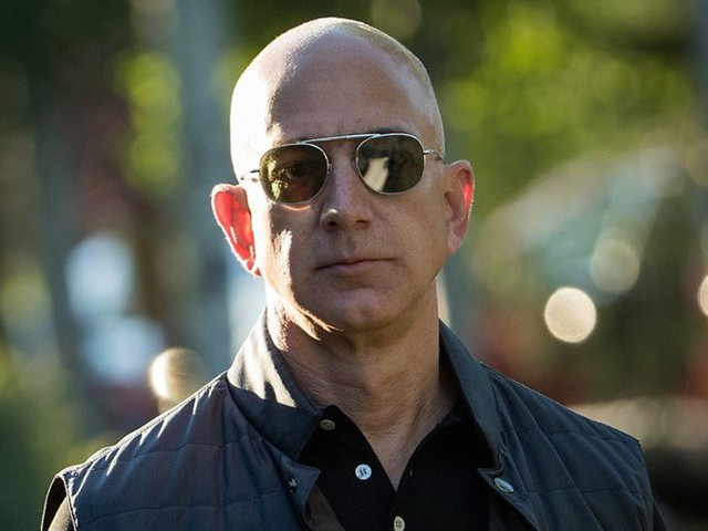 Không làm từ thiện nhiều như Bill Gates, người giàu nhất địa cầu Jeff Bezos sử dụng 150 tỷ USD tài sản của mình như thế nào? - Ảnh 10.
