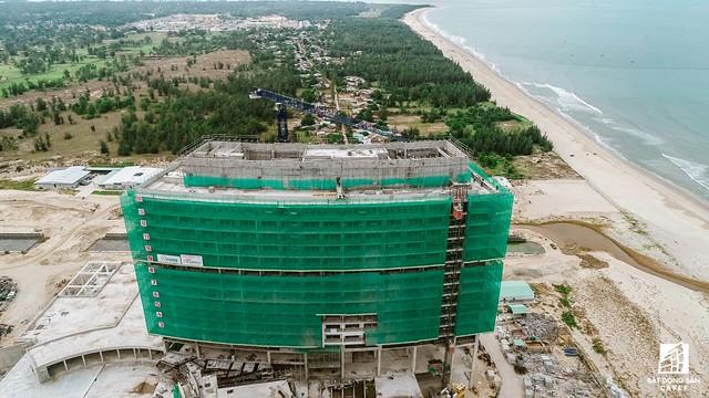 Cận cảnh một số dự án đang biến vùng đất chết Nam Hội An thành thiên một số con phố nghỉ dưỡng mới nổi - Ảnh 10.