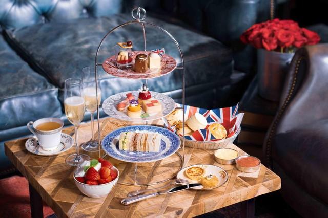 Thưởng thức những bữa tiệc trà hấp dẫn có giá cả triệu đồng được phục vụ tại khách sạn hàng đầu ở Hong Kong và Macau - Ảnh 1.