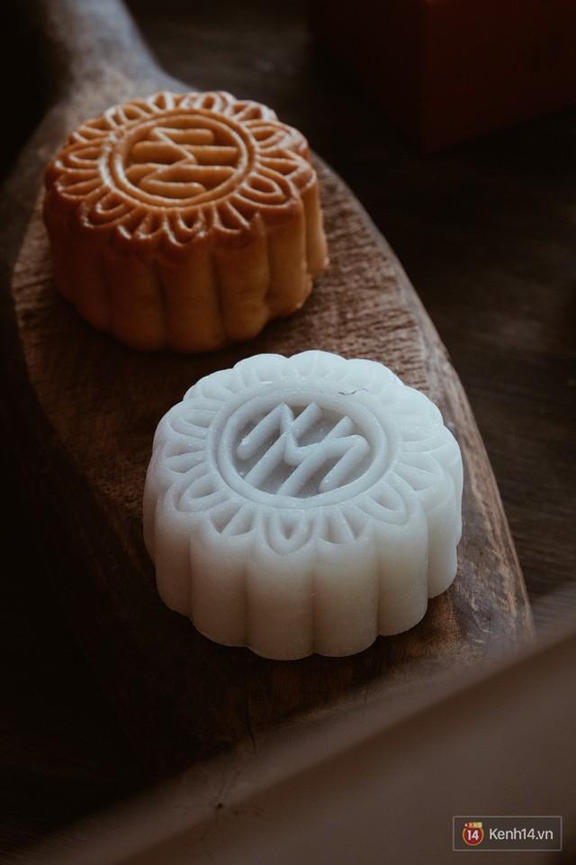 Đập hộp những chiếc bánh Trung thu của các khách sạn nổi tiếng bậc nhất tại Hà Nội - Ảnh 8.