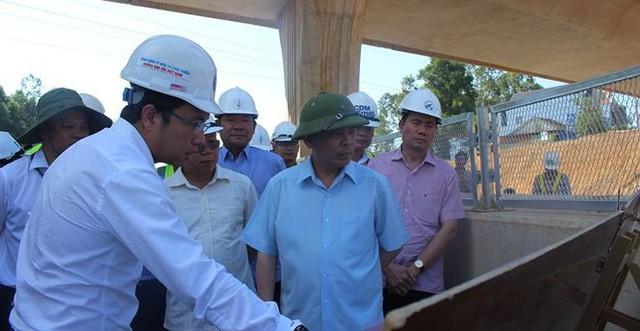 """Không thể cứ """"dây thun"""" công đoạn xa lộ Đà Nẵng - Quảng Ngãi - Ảnh 1."""