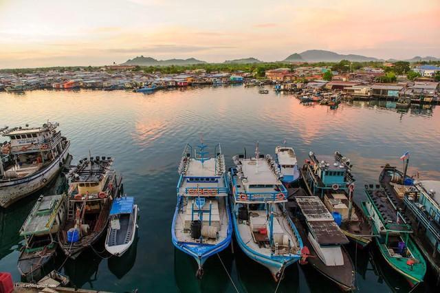 Khám phá vẻ đẹp vừa hoang sơ vừa bình dị của đất nước Malaysia qua ống kính của nhiếp ảnh gia nổi tiếng - Ảnh 9.