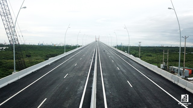 Một ngày trước khi thông xe, nhìn toàn cảnh xa lộ Hạ Long - Hải Phòng và cầu Bạch Đằng gần 15 nghìn tỷ từ trên cao - Ảnh 7.