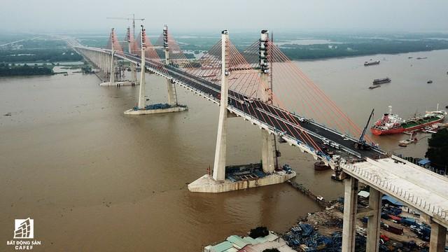 Một ngày trước khi thông xe, nhìn toàn cảnh xa lộ Hạ Long - Hải Phòng và cầu Bạch Đằng gần 15 nghìn tỷ từ trên cao - Ảnh 14.