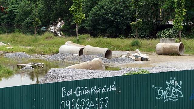 Ngổn ngang tuyến đường đổi bằng 180 ha đất vàng ở Hà Nội   - Ảnh 2.