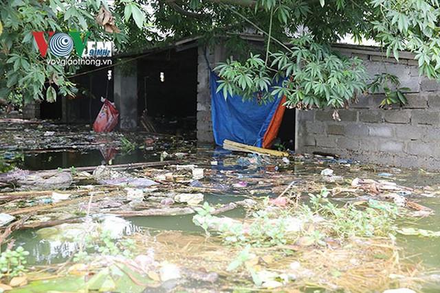 Ảnh: Sau ngập lụt dài ngày, dân Chương Mỹ đối mặt bệnh lở loét da - Ảnh 4.