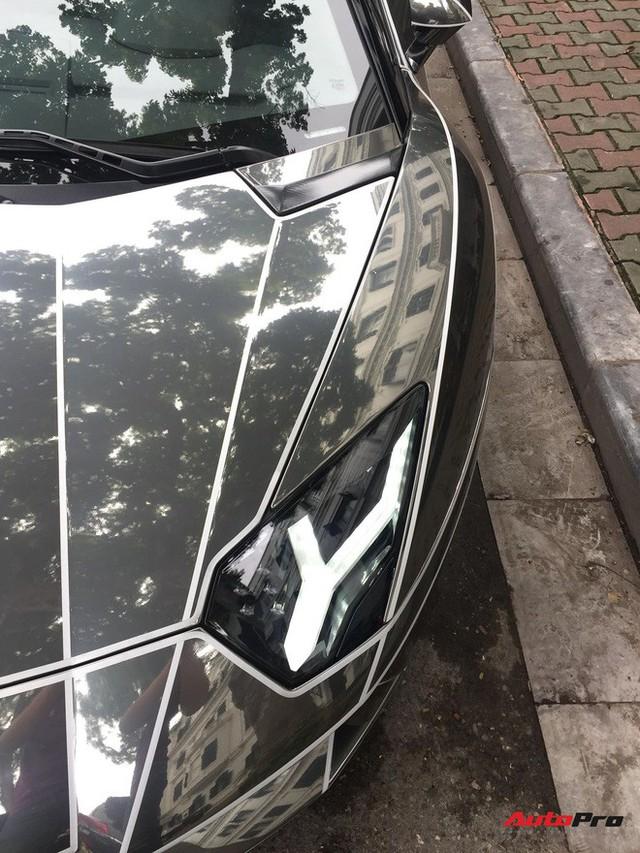 Lamborghini Aventador Roadster độ phong cách Tron Legacy chrome chói chang tại Hà Nội - Ảnh 6.