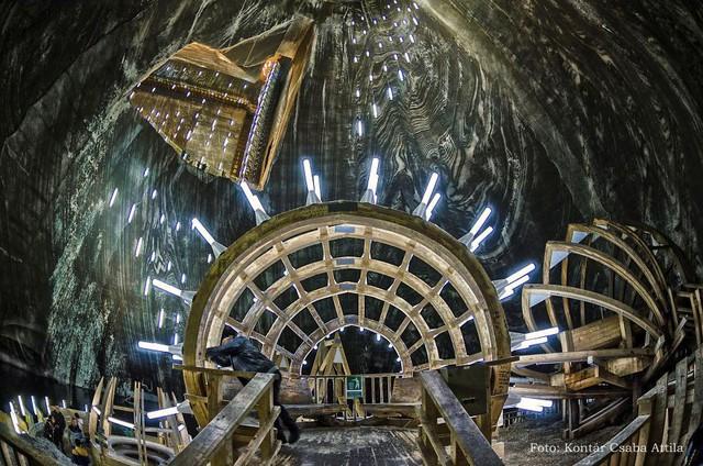 Chùm ảnh: Vẻ đẹp kì diệu của đu quay khổng lồ trong lòng hang động - Ảnh 14.