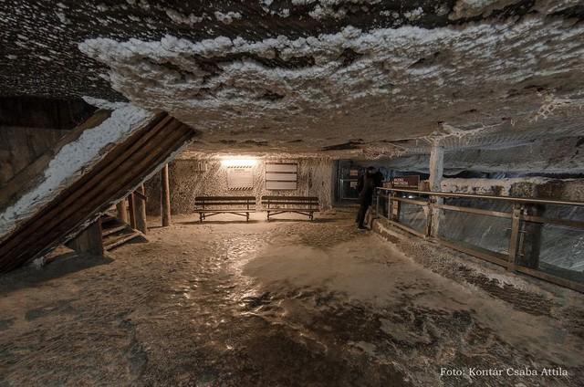 Chùm ảnh: Vẻ đẹp kì diệu của đu quay khổng lồ trong lòng hang động - Ảnh 3.