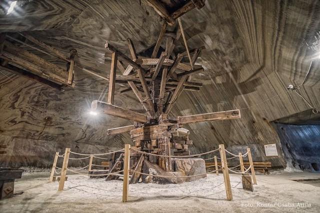 Chùm ảnh: Vẻ đẹp kì diệu của đu quay khổng lồ trong lòng hang động - Ảnh 6.