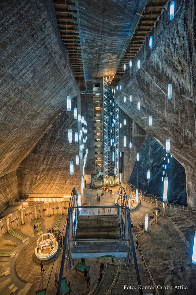 Chùm ảnh: Vẻ đẹp kì diệu của đu quay khổng lồ trong lòng hang động - Ảnh 9.