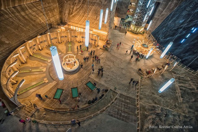 Chùm ảnh: Vẻ đẹp kì diệu của đu quay khổng lồ trong lòng hang động - Ảnh 10.