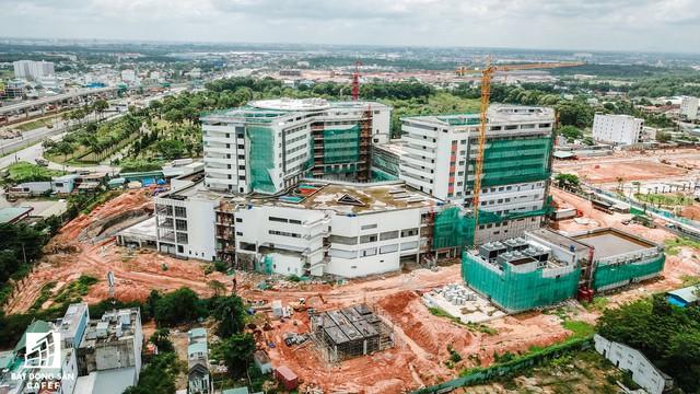 Cận cảnh công đoạn xây dựng dự án trọng điểm y tế 5.800 tỷ đồng, tân tiến bậc nhất ở khu Đông (Tp.HCM) - Ảnh 3.
