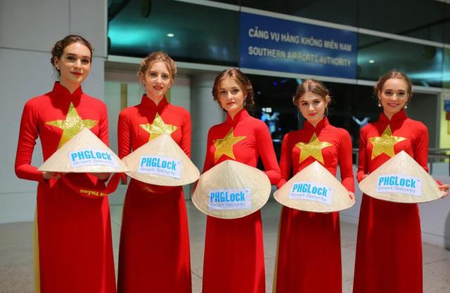 Hơn 300 CĐV bay sớm sang Indonesia tiếp lửa cho Olympic Việt Nam tranh HCĐ - Ảnh 17.