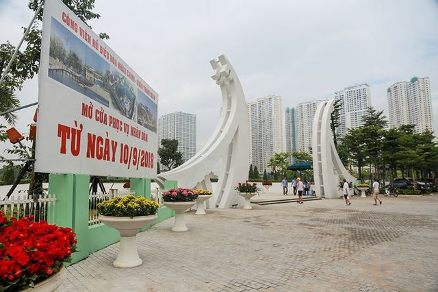 Công viên 300 tỷ chính thức hoạt động sau 2 năm đắp chiếu - Ảnh 1.