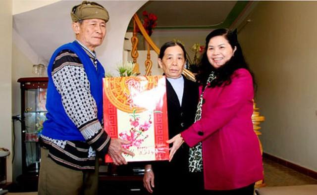 Chân dung nữ Bí thư Tỉnh ủy Lai Châu vừa nhận nhiệm vụ - Ảnh 9.