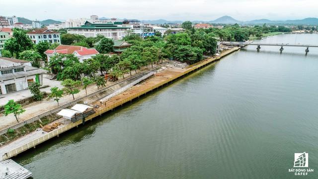Toàn cảnh dự án cầu đi bộ siêu sang lát gỗ lim gần 53 tỷ đồng ở Huế - Ảnh 13.