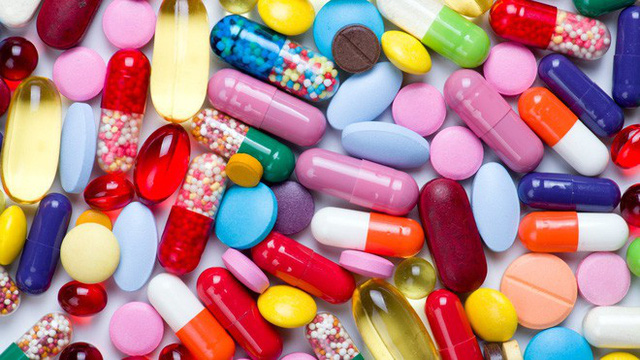 Các nhà khoa học đang phải kết hợp 4-5 loại kháng sinh mới mong diệt được vi khuẩn - Ảnh 1.
