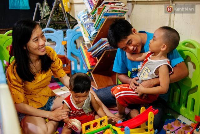 Câu chuyện về người con đặc biệt của vợ chồng thạc sỹ bán chè Sài Gòn: Sự nghiệp có thể làm lại, nhưng con cái thì bố mẹ không có cơ hội thứ 2 - Ảnh 11.