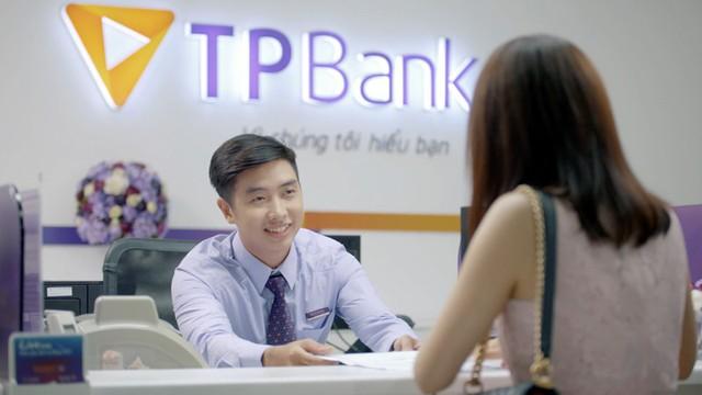 """TPBank tung """"bão quà tặng"""" cho khách hàng đến giao dịch - Ảnh 1."""